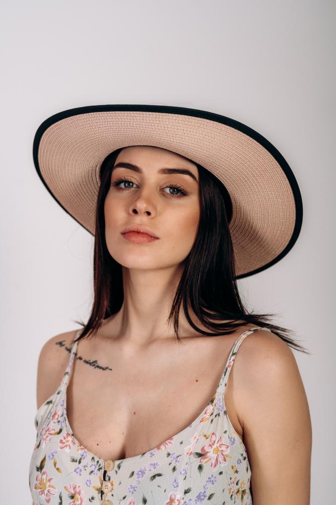 Шляпка широкополая без тульи оптом Артикул SHL 2015 пудровая