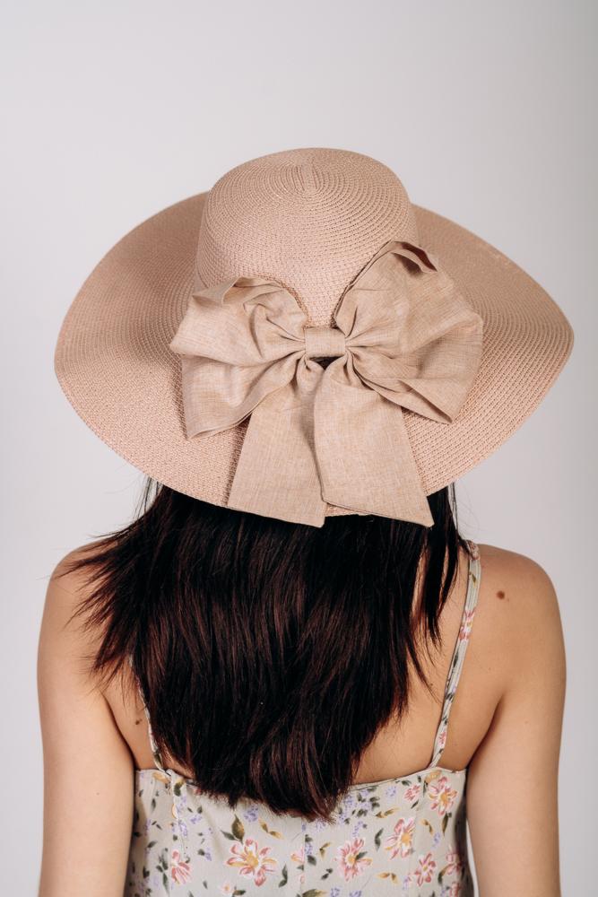 Шляпка широкополая